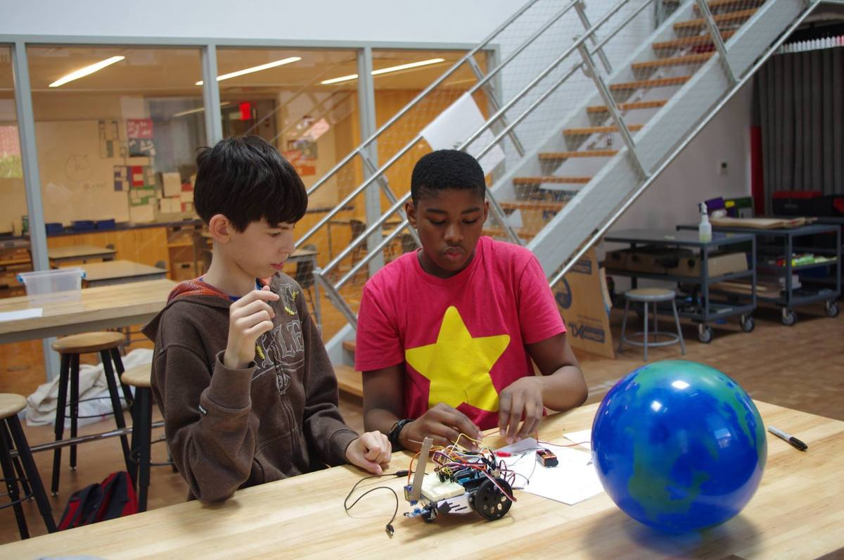 Middle School Robotics Students Present Inventions